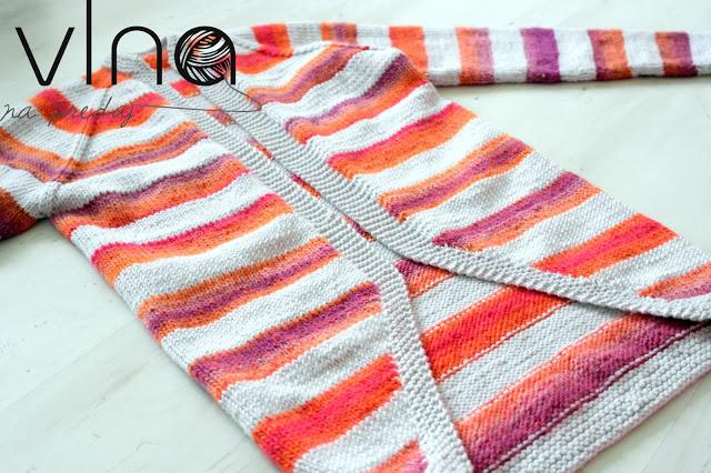 Pletený pásikavý sveter